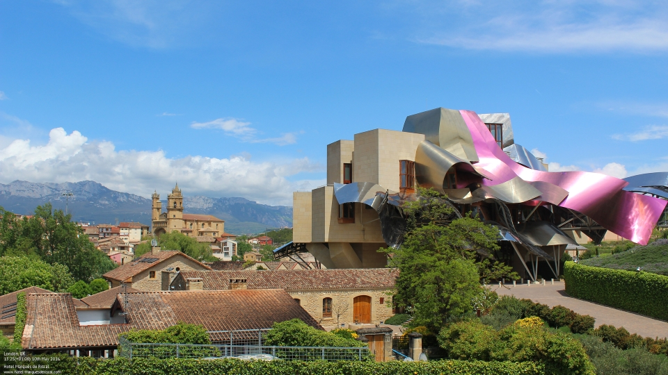 Discover the iconic Hotel Marqués de Riscal